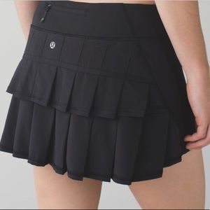 Lululemon Black Pace Setter Skirt Size 6